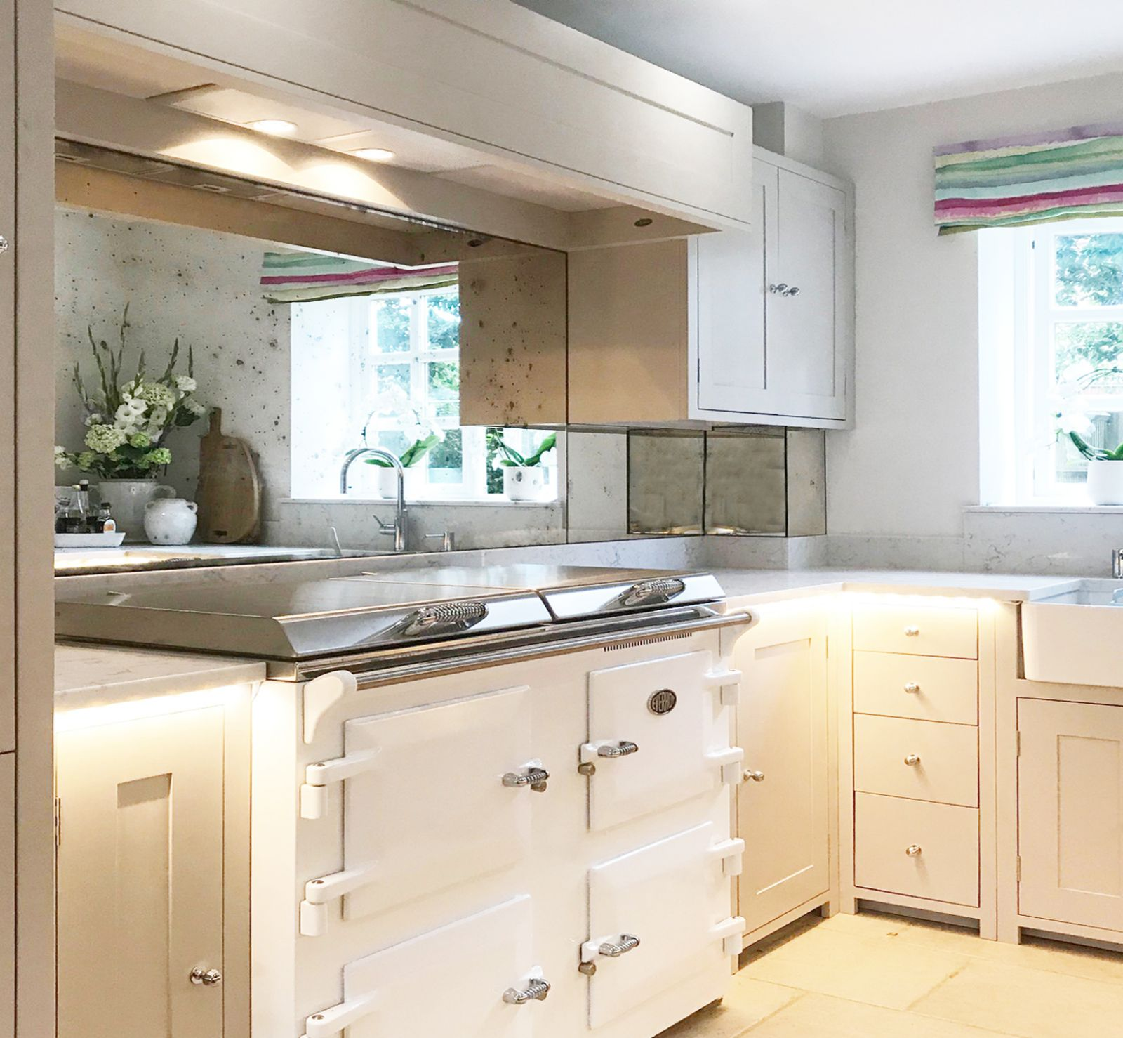 Antique Vintage Mirror Splashbacks Give You Kitchen A